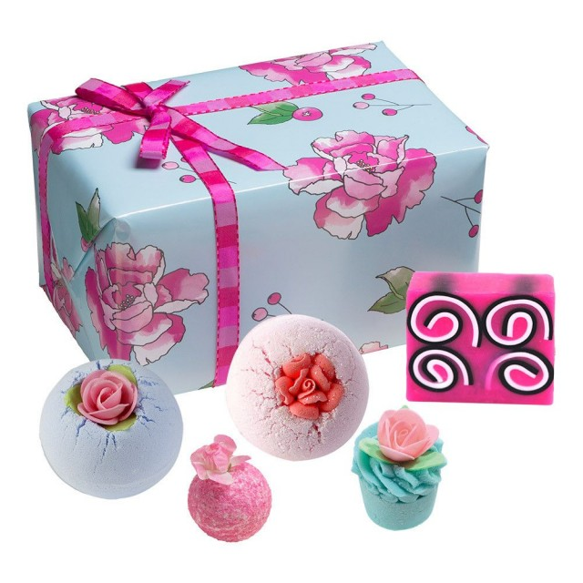 Set cadou What in Carnation Bomb Cosmetics